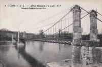 Saint Cyr sur Loire - Le pont Bonaparte et la Loire.