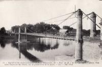 Saint Cyr sur Loire - Pont Bonaparte dit Pont de fil de St-Cyr, entre Tours et l'île Simon.