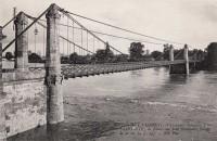Saint Cyr sur Loire - Crues de la Loire - La Loire au pont Bonaparte.