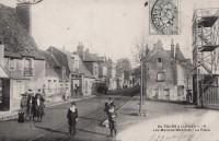Saint Cyr sur Loire - Les Maisons Blanches - La Place.