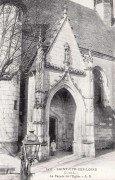 Saint Cyr sur Loire - La façade de l'église.