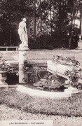 Saint Cyr sur Loire - La Béchellerie - Habitation d'Anatole France - Album Souvenir - 4 - La fontaine.