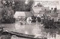 Saint Cyr sur Loire - Vallon de la Choisille - Crues de la Loire - La Loire inonde jardins et maisons, au pont de la Motte.