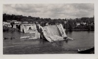 Saint Cyr sur Loire - Destruction du pont Bonaparte, miné par les allemands le 22 août 1944 - photographie originale.