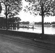 Saint Cyr sur Loire - Photo stéréoscopique sur plaque de verre (10,5 x 4,5 cm) - Vue sur la ville - Détail (4 x 4 cm).