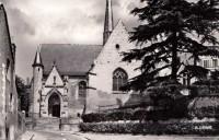 Saint Cyr sur Loire - Eglise et portail XVe siècle.