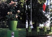 Saint Cyr sur Loire - Les collections du parc de la Perraudière - Gloria Friedmann - Garden party, 1999.